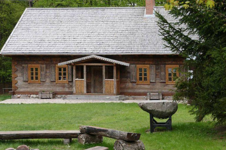 dworysko-chata-kulturalna-w-puszczy-bialowieskiej-51